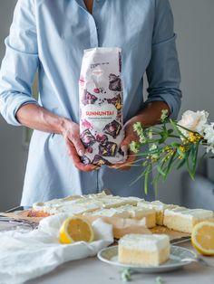 Sitruuna-Valkosuklaa Blondie (G) | Annin Uunissa Yummy Cakes, Gluten Free Recipes, Free Food, Bread, Iso, Baking, Sweet, Desserts, Candy