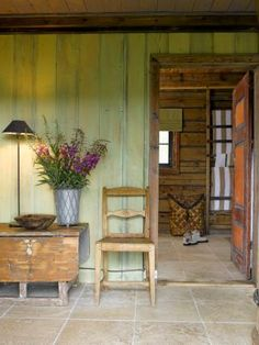 Love the green wall and the orange door. Gives it a rustic retro look. Orange Walls, Orange Door, Green Walls, Green Wood Stain, Glazing Furniture, Mansion Interior, Country Interior, Entry Foyer, Country Estate