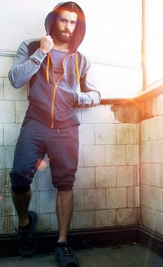 You really need these hot men's clothing ideas to impress your girl to make it feel unbearable to stay away from you. Outfits Hombre, Komplette Outfits, Sport Outfits, Hot Men, Sexy Men, Sport Fashion, Fitness Fashion, Mens Fashion, Mens Athletic Fashion