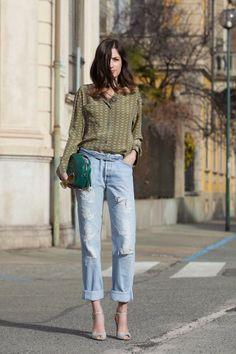 Get this look (shirt, jeans, sandals) http://kalei.do/WmWJN4gbxIexnmTq