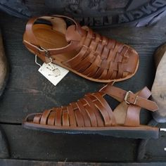 Handmade Leather Sandals Men's Genuine Leather and por MarioDoni Sandals Outfit, Shoes Sandals, Flat Sandals, Gladiator Sandals, Cowboy Boots Women, Cowgirl Boots, Western Boots, Riding Boots, Leather Sandals