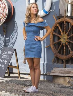 Sam Frost reveals her slender waist and trim pins Home And Away Actors, Home And Away Cast, Denim Frocks, Stephen Edwards, Frosted Hair, Celebs, Celebrities, Female Images, Role Models