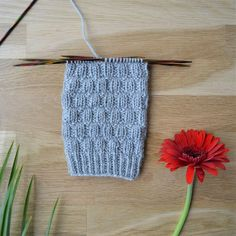 Rikottu joustinneule - 52 sukanvartta Crochet Socks, Knit Crochet, Knitting Stitches, Knitting Socks, Boot Toppers, Wool Socks, Diy Projects To Try, Mittens, Sewing