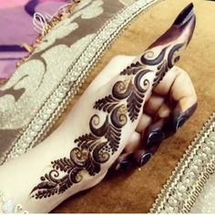 Hina, hina or of any other mehandi designs you want to for your or any other all designs you can see on this page. modern, and mehndi designs Finger Henna Designs, Henna Tattoo Designs Simple, Modern Mehndi Designs, Henna Art Designs, Mehndi Design Pictures, Mehndi Designs For Beginners, Mehndi Designs For Fingers, Beautiful Mehndi Design, Dulhan Mehndi Designs