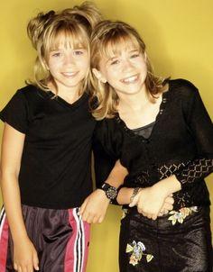Ashley Olsen, Ashley Mary Kate Olsen, Olsen Twins Full House, Olsen Fashion, Olsen Sister, Two Of A Kind, Cute Twins, Old Tv Shows, Celebs