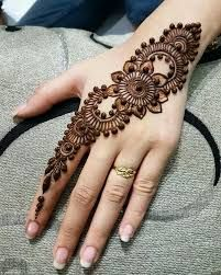 Henna Tattoo Designs Simple, Mehndi Designs For Kids, Mehndi Designs Feet, Finger Henna Designs, Latest Bridal Mehndi Designs, Back Hand Mehndi Designs, Modern Mehndi Designs, Mehndi Designs For Beginners, Mehndi Designs For Fingers