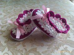 PinkWhite Crochet baby Booties Baby footwear Baby by sankorra, $14.50