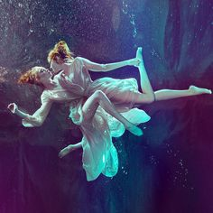 Breathtaking Underwater Photography by Zena Holloway #inspiration #photography