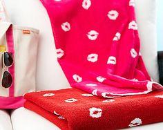 Kiss beach towel