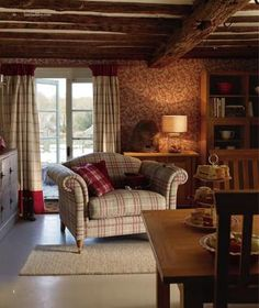 Country Cottage Living Room New Estilo Cottage No Chalé … Decorating English Cottage Style, English Country Decor, English Style, English Cottages, French Style, Modern Country, Cottage Living Rooms, Home And Living, Casa Hipster