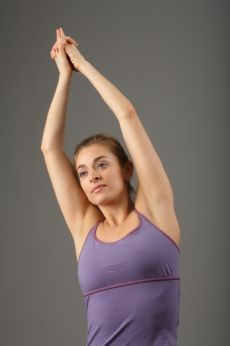 Can Yoga Reduce the Pain of Arthritis? Reviews of the Research are Promising | Yoga U Online