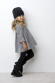 04 black leggings, a grey dress and black boots with a knit hat - Styleoholic - My favorite children's fashion list Fashion Kids, Toddler Fashion, Look Fashion, Fall Fashion, Little Girl Outfits, Cute Outfits For Kids, Little Girl Fashion, Outfits Niños, Fall Outfits