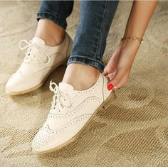2013 spring and autumn genuine leather white vintage british style women's round toe flat oxford shoes(China (Mainland))
