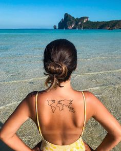 101 unique travel tattoos that fuel your eternal wanderlust - tattoos! - 101 unique travel tattoos that fuel your eternal wanderlust – tattoos! Mini Tattoos, Small Tattoos, Cool Tattoos, Tatoos, Awesome Tattoos, Piercing Tattoo, Piercings, Wanderlust Tattoos, Karten Tattoos