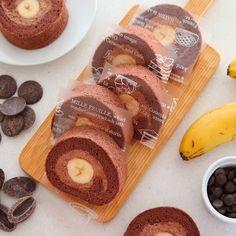 今月のお菓子教室はチョコバナナロールケーキを作ります レシピ本とはレシピを変えてみました更に美味しくなって自画自賛  レッスンは明後日からで行きたかったイベント国産麦を使ったスイーツパンなどの無料試食会とレッスン日程が被ってしまい残念 一般の方も参加可能なのでどなたか行く方がいらっしゃれば感想を教えてください これ 2月17-19日国内産麦を使った試作品の試食会商談会を開催入場無料試食無料#東京国際フォーラム にて  http://ift.tt/2k2aT36  私はいつも北海道産のドルチェという小麦粉を使ってお菓子を作っています 外国産の小麦粉で作った時と全然味が違うので#国産小麦 には目がないです  パンもはるゆたかとかキタノカオリをよく使います  みなさんのオススメ品種も良かったら教えてください
