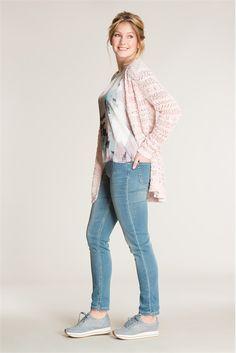Voel je RELAXED. De jogger jeans heeft de look van een jeans en het zachte gevoel van een joggingbroek. #missetam