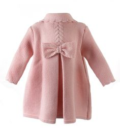 Knitted coat for girls knitted bobo and figure eight in camel color - Babykleidung Baby Knitting Patterns, Baby Cardigan Knitting Pattern, Knitting For Kids, Lace Knitting, Knit Baby Sweaters, Girls Sweaters, Baby Coat, Knitted Coat, Baby Dress