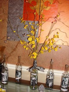 Wine bottle table decorations with pictures Wine Bottle Art, Wine Bottle Crafts, Wine Bottles, Wine Bottle Pictures, Christmas Crafts, Christmas Decorations, Bottle Decorations, Table Decorations, Centerpieces
