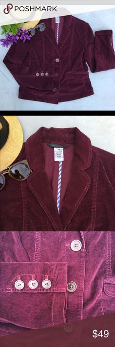 """🎉SALE Marc Jacobs corduroy blazer 12 🎉SALE!🎈Price is firm!! Great blazer perfect for work or even to go out. 38"""" bust, 21"""" length. 98% cotton, 2% lycra. Excellent pre-loved condition. ❌trades/PP 💰make an offer on bundles Marc Jacobs Jackets & Coats Blazers"""