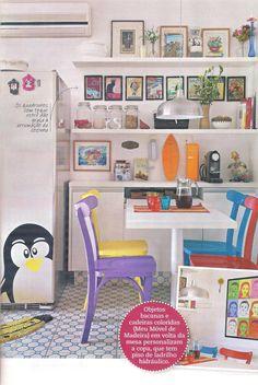 As cadeiras Lapa continuam sendo sucesso indiscutível da MMM. Veja o que a produção da Decorar Mais Por Menos fez nesta cozinha. http://www.meumoveldemadeira.com.br/busca_Loja.html?b==lapa