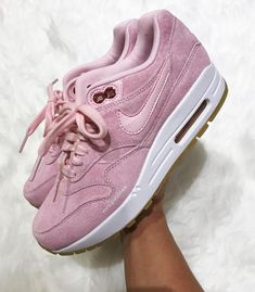 Nike Air Max One in rosé/hellrosa // Foto: mrs.pebbles |