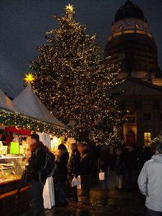 Expat Mummy in Berlin: Gendarmenmarkt Christmas Market