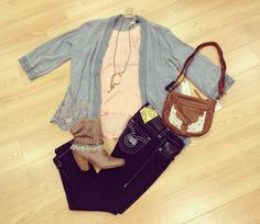 Grey cardigan with pink t.