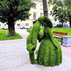 Topiary sculpture- Flores y paisajes Topiary Garden, Garden Art, Garden Design, Topiaries, Amazing Gardens, Beautiful Gardens, Family Garden, Public Garden, Parcs