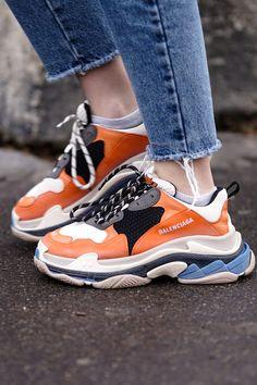 8ed0e7959a0a6b mybestbrandsDamen Schuh Trends 2019 · Die Triple S Kult-Sneaker von  Balenciaga gehören auch diese Saison zu den beliebtesten Sneakern