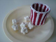 Crochet Yogurt / Yoghurt Mug with Lid- Häkelanleitung Joghurt / Joghurt-Becher mit Deckel Crochet pattern popcorn with mug - Plastic Bag Crochet, Crochet Mat, Wire Crochet, Crochet Amigurumi, Crochet Food, Crochet Dolls, Easy Diy Crafts, Yarn Crafts, Diy Crafts To Sell