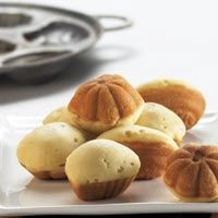 kue cubit - pinched cake