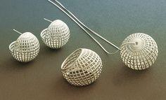 Lynne Maclachlan #jewellery #jewelry #mesh #silver #earrings #ring #pendant #geometricjewellery #pattern #design