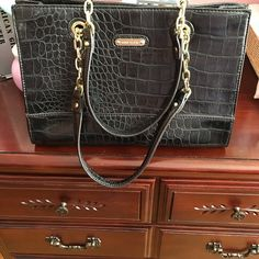 5eeffe1a75d9 Anne Klein bag Bag in excellent condition used only a few time Anne Klein Bags  Shoulder Bags