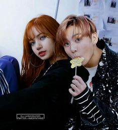 Lisa is serious while jungkook is funny K Pop, Blackpink Funny, Pop Music Artists, Bts Girl, Kpop Couples, Blackpink And Bts, Korean Couple, Smart Girls, Blackpink Lisa