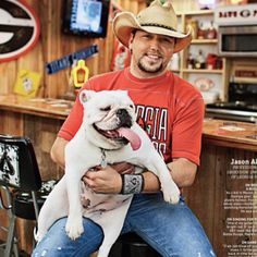 He's such a cute georgia fan!! ;)) Jason Aldean