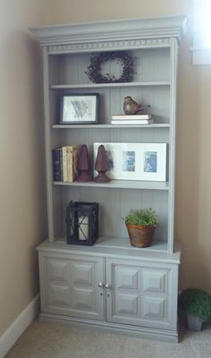 Step by step - gun cabinet upcycle / repurpose to bookshelves (with or without glass doors) - Crafty Sisters Furniture Projects, Kids Furniture, Furniture Makeover, Painted Furniture, Furniture Plans, Repurposed China Cabinet, Repurposed Furniture, Bookshelves, Small Bookshelf
