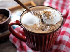 極上ホットチョコレートでとろけちゃう!レンジ2分で至福のカフェタイム | おうちごはん Black Coffee, Food Design, Pudding, Sweets, Meals, Drinks, Cooking, Breakfast, Tableware