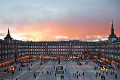 Plaza Mayor de Madrid.¿ Vienes a nuestra visita guiada? http://madrid.ludicum.com/actividad/ayer-y-hoy-de-la-plaza-mayor-y-sus-alrededores-sabado-26-abril-20-30