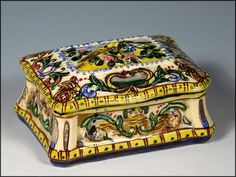 "Italian Faience Majolica Box with Lovebird Decoration ~ from ""Ah."" shop on Ruby Lane"