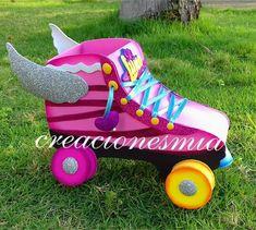 ¡Soy Luna! . . #creacionesmia #detalles #souvenirs #hechoamano #hechoconamor #hechoenvenezuela #talentonacional #talentovenezolano #cotillón #cotillones #fiesta #party #cumpleaños #birthday #patines #soyluna #soylunaparty #soylunadisney #foami #foamy #gomaeva