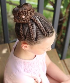 20 Cute Girls Hairstyle for Back to School - Having a hard time choosing girls hairstyle for school? Here are twenty cute ones for your inspiration that are easy to recreate! Dance Hairstyles, Kids Braided Hairstyles, Cute Girls Hairstyles, Easy Hairstyles For Long Hair, Pretty Hairstyles, Natural Hairstyles, Perfect Blonde Hair, Cool Blonde Hair, Braids For Kids