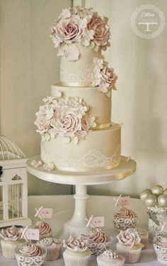 Gorgeous Lace Wedding Cakes | bellethemagazine.com -- WITH REAL FLOWERS? (ARM)