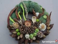 Christmas Wreaths, Christmas Decorations, Holiday Decor, Pine Cones, Funeral, Decoupage, Centerpieces, Easter, Seasons