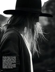 #ElisabethErm by #ClaudiaKnoepfel & #StefanIndlekofer for #VogueGermany January 2014