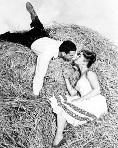 Debbie Reynolds The Mating Game photo other sizes inc Poster) Debbie Reynolds Carrie Fisher, Movie Kisses, Golden Age Of Hollywood, Beauty Queens, The Locals, Famous People, That Look, Game, Couple Photos