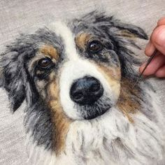 Artist Draws Realistic Portraits Using Embroidery Technique Needle felting Needle Felted Animals, Felt Animals, Cute Animals, Felt Pictures, Dog Pictures, Needle Felting Tutorials, Felt Dogs, Wool Art, Thread Painting