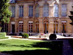 Ce site d'exception est un lieu privilégié d'accueil, de réunions et d'expositions de la communauté franco-latino-américaine à Paris