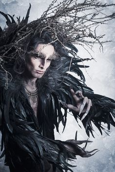 #TElombre - telombre.com actor, performer, singer, model, long hair, french, alternative, androgyn, paris, photography, shooting, make up, nature, crow, arbre, tree, corbeau, darkness,