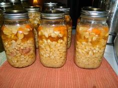 Farm Girl Tails: Canning Navy Bean and Ham Soup- amazing and she has more canned soup recipes! She doesn't presoak the beans! Did this, awesome recipe! Canning Beans, Canning Soup, Canning Tips, Home Canning, Canning Recipes, Soup Recipes, Cooker Recipes, Canning Pickles, Salads