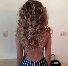 hair cuts for round faces with long hair hair cuts for round faces with long hair Permed Hairstyles, Pretty Hairstyles, Black Hairstyles, Weave Hairstyles, Curly Hair Styles, Natural Hair Styles, Lange Blonde, Hair Day, Gorgeous Hair
